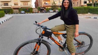 صورة تعرف على سر ركوب النجمات الدراجة الهوائية